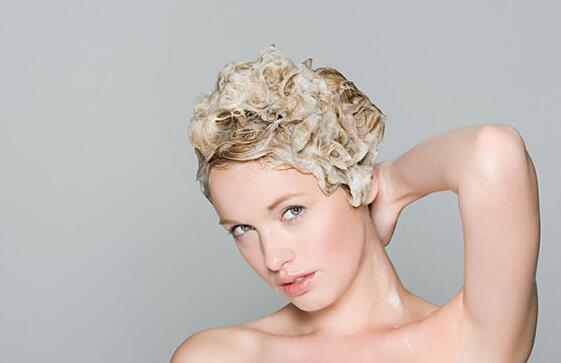 头发分叉怎么护理 8个护发技巧get起来
