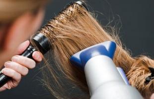头发比较油着急出门如何打理 5个妙招来帮你