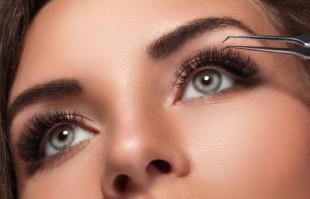 嫁接睫毛后多久可以碰水 嫁接完假睫毛怎么洗脸