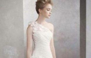 缎面婚纱发型如何扎