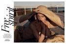 空�`�r尚超模Sasha Pivovarova,演�[�r尚�L骨登上希�D版《Vogue》