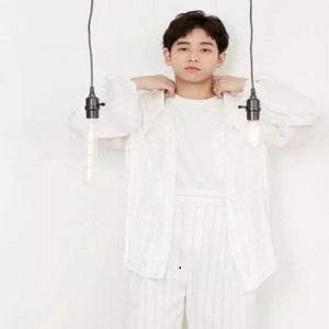 彭彭可�}可甜的耿直男孩,日常的穿衣打扮�是�����