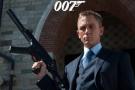 007主角�女性黑人,全球引起�然大波,是否�C枉�^正?