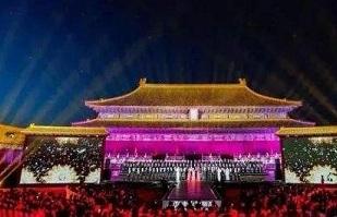 故宫提前点亮华灯,一盏明灯点亮了整个皇宫