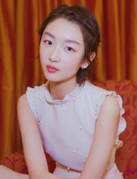 可爱刘海麻花辫发型
