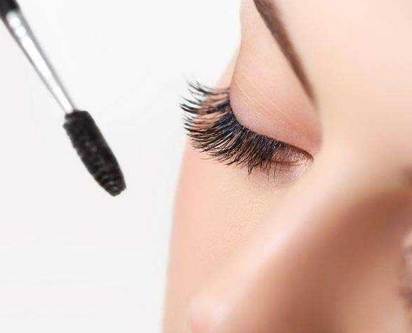 眼影膏过期了还能用吗?过期的眼影膏还有哪些妙用?
