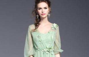 夏天穿什么颜色清爽还时髦?薄荷绿是最佳选择!