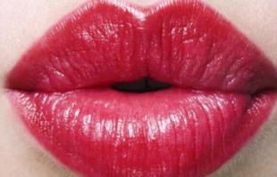 几个坏习惯,会让唇部越来越丑,不改掉很难提升颜值