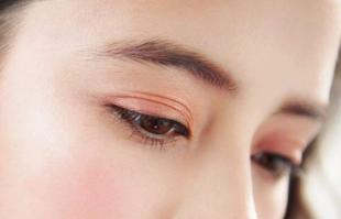 眼线胶笔比眼线液笔好用?眼线笔颜色如何选择?