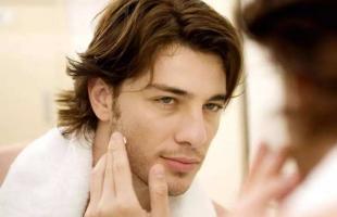 精致男孩要了解护肤方法,别再蹭女朋友的护肤品了!