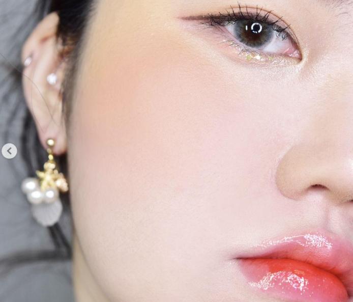 化妆修容术首选腮红,选好腮红气色好又美丽!