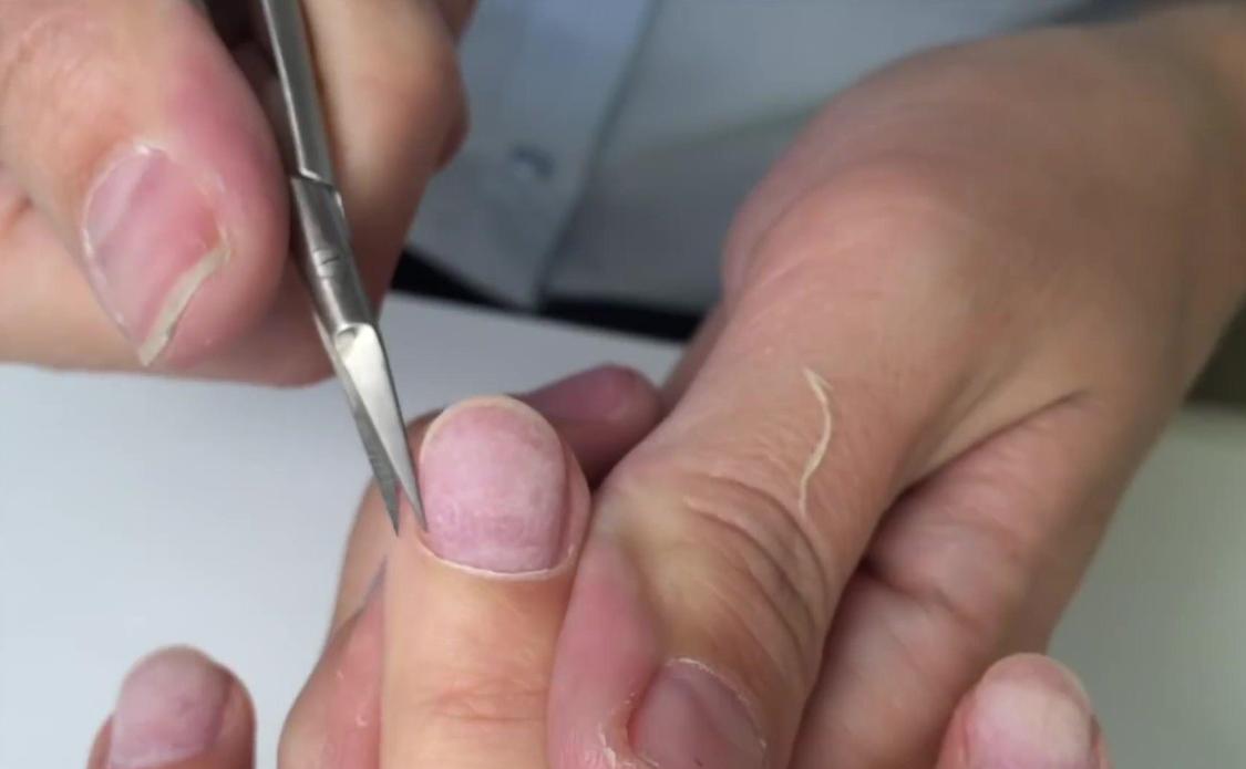美甲不要太频繁,你的指甲也需要护理!