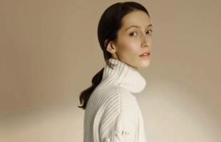 关于羊绒衫的审美:为什么你总是穿得很老气?