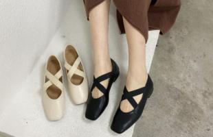 什么样的鞋子适合去春游?当然是运动鞋啦!