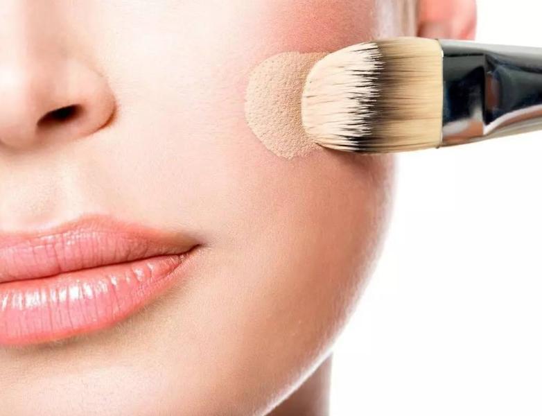 定妆粉饼和定妆喷雾有什么差别?定妆喷雾怎么用?
