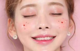 樱花粉红色腮红,让你在春天人比花更艳!