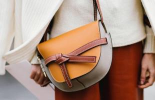 马鞍包适合多大年龄的女生?如何选择合适自己的包包?