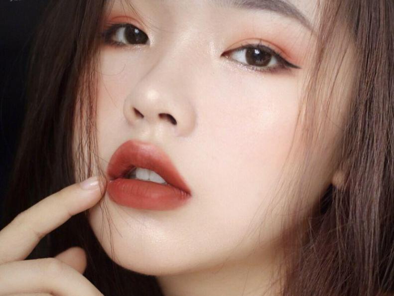 港风唇妆有什么特点?如何画好复古感唇妆?