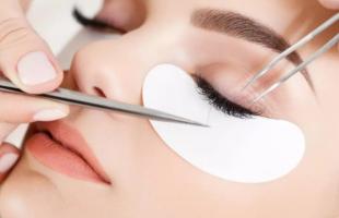 嫁接睫毛胶水对身体有害吗?为什么嫁接睫毛效果不持久?