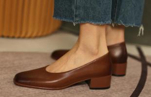 法式奶奶鞋的搭配有哪些?这样穿让你的时尚度爆表!