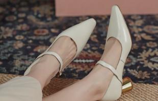 玛丽珍鞋应该如何搭配?复古潮流风最适合!