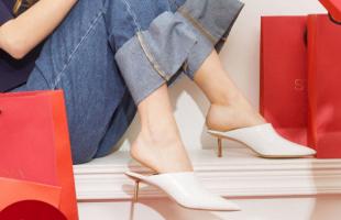 夏季鞋子的挑�x要�c,�@��c可以多多�⒖家幌拢�