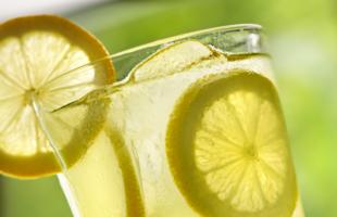 日常生活中的��檬�品做法,�W��做法,一夏天都�蚝龋�美容又�B�!