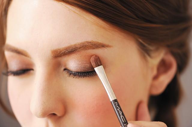 单眼皮眼妆只需三步,教你三步完成单眼皮眼妆