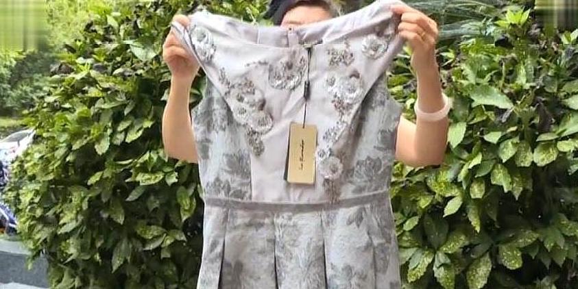 女子花12200买裙子,被多家洗衣店拒之门外,商家:你自已心清楚