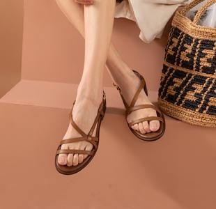夏季鞋子穿什么