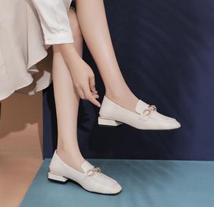 磨�_�w� 穿什么鞋子好?